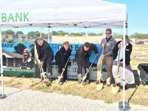 HOMEBANK officials break ground for a new facility in Mexico, MO